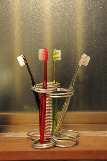 090707_Stand_Toothbrush.jpg